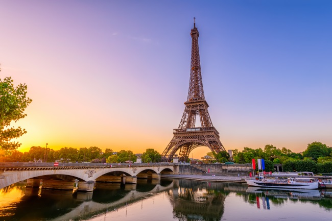EUROPEAN SONGS Paris-credits-CatarinaBelova-shutterstock