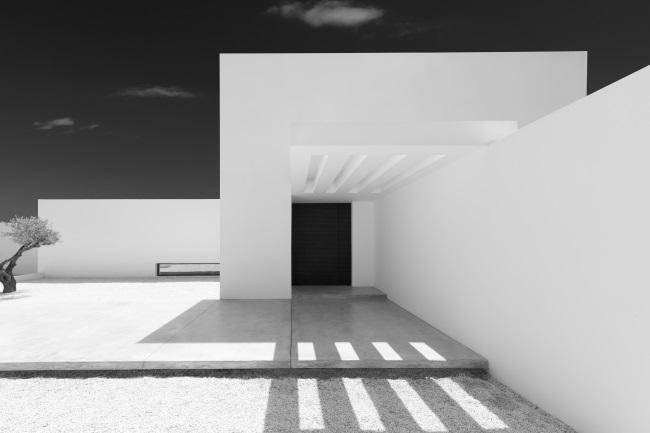 BELGIAN ARCHITECTURE WHITE Olivier Dwek ©Olivier Dwek, Rizzoli New York, 2021