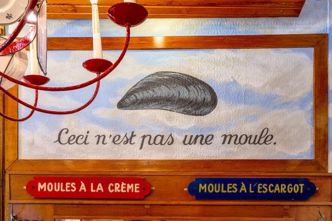 BRUSSELS RESTAURANTS CHEZ LEON MOULES FRITES