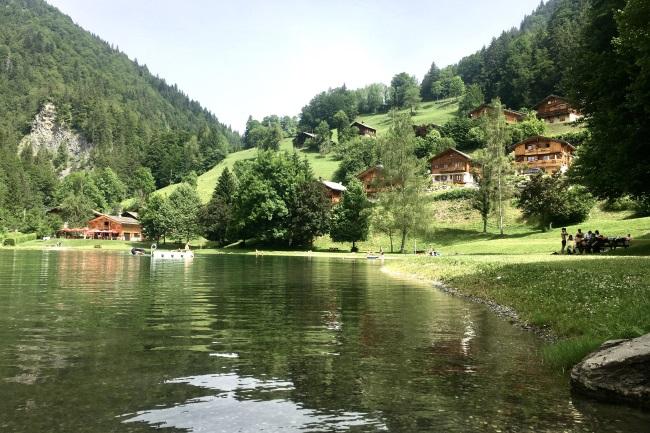 MOUNTAIN HOLIDAYS VAL DARLY Giettaz
