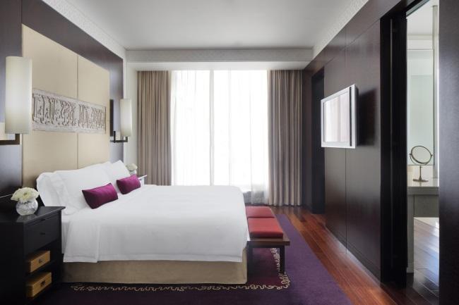 TRAVEL MIDDLE EAST DUBAI H HOTEL